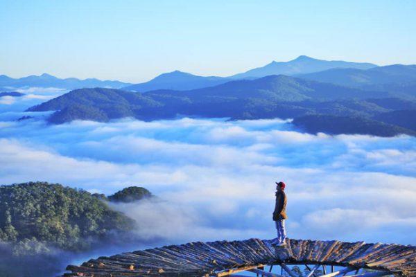 Trải nghiệm săn mây đẹp tựa chốn tiên cảnh tại Đồi Chè Cầu Đất