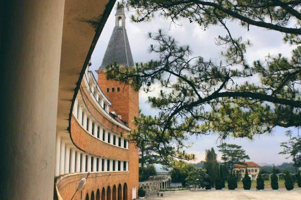 Một góc trường Đại học Sư Phạm Đà Lạt