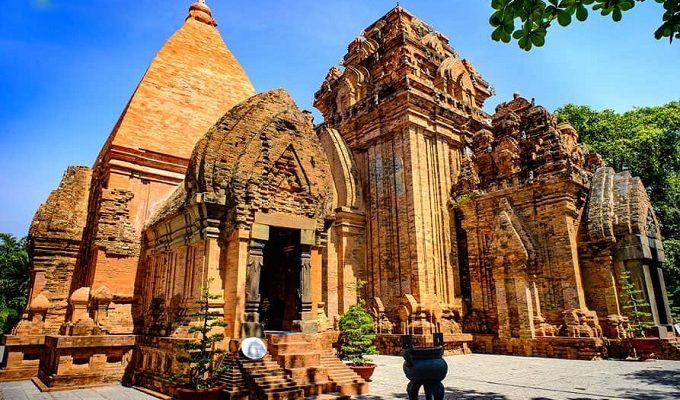 Khám Phá Tháp Bà Ponagar